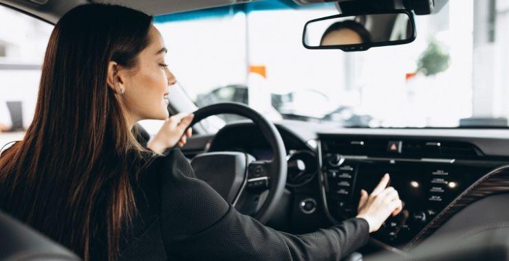 Kadınlar erkeklere göre trafikte daha temkinli