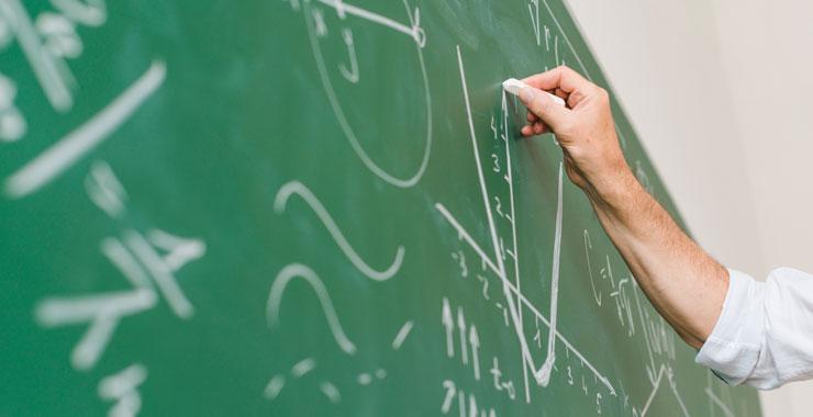Salgın ile beraber yaşanan zorunlu dijitalleşme öğretmenlerin rolünü değiştirecek mi?