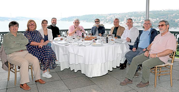 Sigortacı Gazetesi köşe yazarları haziran ayında yeni normal döneminde bir araya geldi