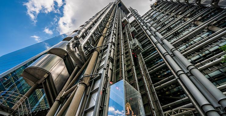 Lloyd's of London küresel salgının faturasını çıkardı