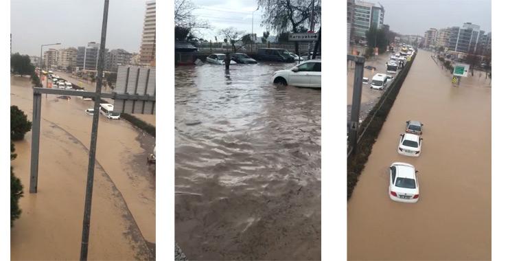 Sel İzmir'i vurdu: Çok sayıda ev ve işyerini su bastı